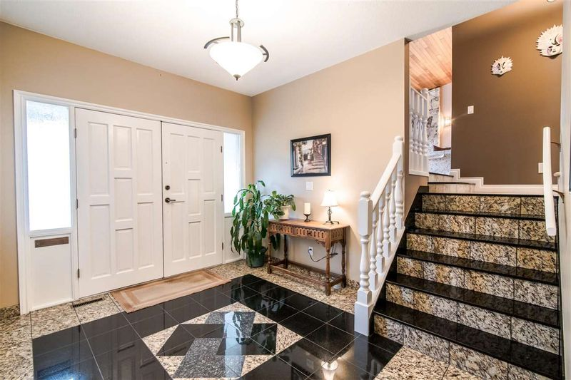 FEATURED LISTING: 6399 PARKVIEW Place Burnaby