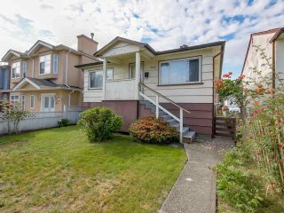 Photo 1: 3232 NAPIER Street in Vancouver: Renfrew VE House for sale (Vancouver East)  : MLS®# R2072671