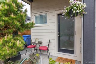Photo 2: 1030 Boeing Close in VICTORIA: La Westhills Row/Townhouse for sale (Langford)  : MLS®# 813188