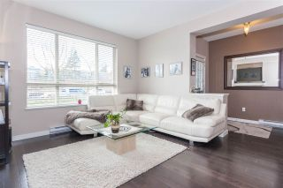 """Photo 3: 23 2738 158 Street in Surrey: Grandview Surrey Townhouse for sale in """"Cathedral Grove"""" (South Surrey White Rock)  : MLS®# R2151178"""