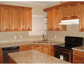 Photo 6: 4511 PARKER Street in Burnaby: Brentwood Park 1/2 Duplex for sale (Burnaby North)  : MLS®# V786784
