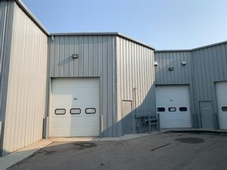 Photo 3: 201 2903 Kingsview Boulevard SE: Airdrie Industrial for sale : MLS®# A1135445