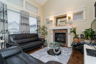 Photo 4: 19036 70 AVENUE in Surrey: Clayton House for sale (Cloverdale)  : MLS®# R2128470