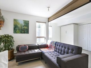 """Photo 12: 312 688 E 16TH Avenue in Vancouver: Fraser VE Condo for sale in """"Vintage Eastside"""" (Vancouver East)  : MLS®# R2510286"""