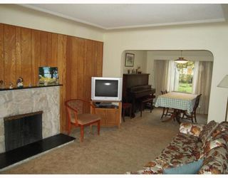 Photo 3: 5215 SLOCAN Street in Vancouver: Collingwood VE House for sale (Vancouver East)  : MLS®# V812437