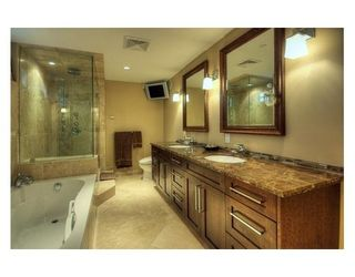 Photo 6: 1070 W KING EDWARD AV in Vancouver: House for sale : MLS®# V844807