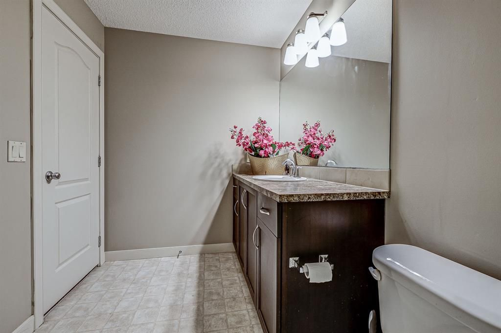 Photo 32: Photos: 200 EVERBROOK Drive SW in Calgary: Evergreen Detached for sale : MLS®# A1102109