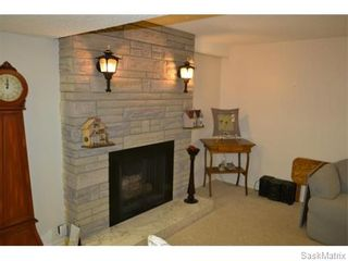 Photo 9: 2408 Irvine Avenue in Saskatoon: Nutana Park Single Family Dwelling for sale (Saskatoon Area 02)  : MLS®# 565482