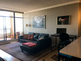 """Photo 8: 700 9300 UNIVERSITY Crescent in Burnaby: Simon Fraser Univer. Condo for sale in """"ONE UNIVERSITY"""" (Burnaby North)  : MLS®# R2479456"""