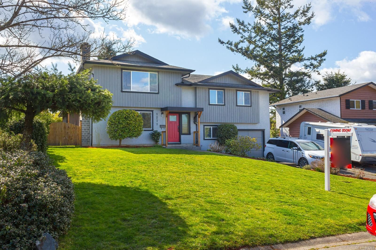 Main Photo: 1271 Lonsdale Pl in : SE Maplewood House for sale (Saanich East)  : MLS®# 871263
