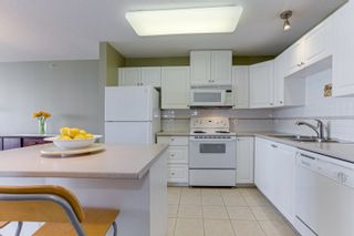 """Photo 13: 802 612 SIXTH Street in New Westminster: Uptown NW Condo for sale in """"The Woodward"""" : MLS®# R2596362"""
