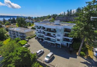 Photo 1: 302 907 Cedar St in : CR Campbell River Central Condo for sale (Campbell River)  : MLS®# 887520