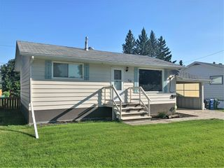 Photo 3: 132 Bossons Avenue in Dauphin: Northeast Residential for sale (R30 - Dauphin and Area)  : MLS®# 202121283