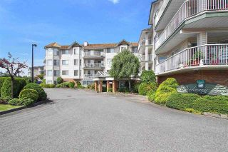 "Photo 3: 212 5363 206 Street in Langley: Langley City Condo for sale in ""PARKWAY II"" : MLS®# R2554116"