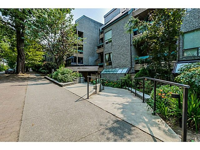 "Main Photo: 410 1500 PENDRELL Street in Vancouver: West End VW Condo for sale in ""PENDRELL MEWS"" (Vancouver West)  : MLS®# V1134010"