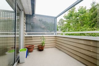 """Photo 15: 3934 LINWOOD Street in Burnaby: Burnaby Hospital Townhouse for sale in """"CASCADE VILLAGE"""" (Burnaby South)  : MLS®# R2489487"""