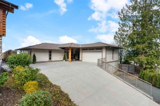 Photo 2: 7245 MARBLE HILL Road in Chilliwack: Eastern Hillsides House for sale : MLS®# R2555658