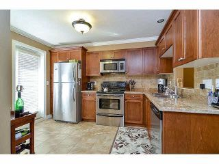 """Photo 6: 18 6238 192ND Street in Surrey: Cloverdale BC Townhouse for sale in """"BAKERVIEW TERRACE"""" (Cloverdale)  : MLS®# F1420554"""