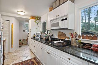 Photo 10: 3195 Woodridge Pl in : Hi Eastern Highlands House for sale (Highlands)  : MLS®# 863968