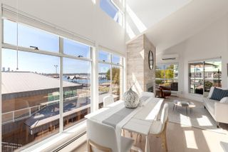 """Photo 2: 3310 33 CHESTERFIELD Place in North Vancouver: Lower Lonsdale Condo for sale in """"HARBOURVIEW PARK"""" : MLS®# R2610406"""