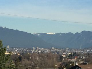 """Photo 3: 1319 E 37TH Avenue in Vancouver: Knight House for sale in """"KNIGHT ST RIDGEWAY"""" (Vancouver East)  : MLS®# R2332228"""