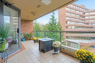 """Photo 15: 311 1450 PENNYFARTHING Drive in Vancouver: False Creek Condo for sale in """"Harbour Cove/False Creek"""" (Vancouver West)  : MLS®# R2618679"""