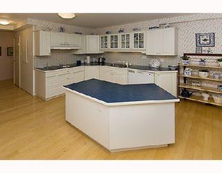 "Photo 4: 102 2140 BRIAR Avenue in Vancouver: Quilchena Condo for sale in ""ARBUTUS VILLAGE"" (Vancouver West)  : MLS®# V742490"