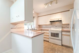 "Photo 7: 111 6109 W BOUNDARY Drive in Surrey: Panorama Ridge Townhouse for sale in ""Lakewood Gardens"" : MLS®# R2153090"
