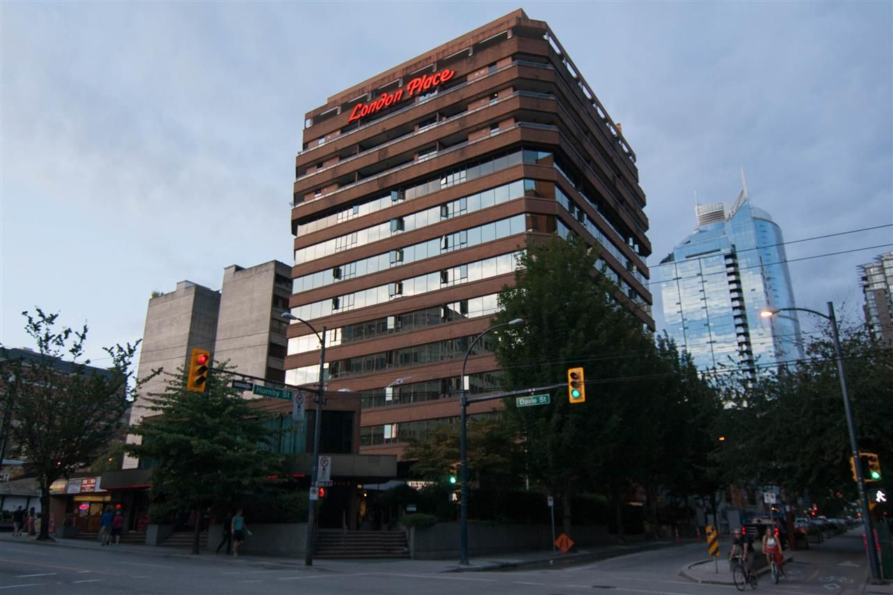 """Main Photo: 308 1177 HORNBY Street in Vancouver: Downtown VW Condo for sale in """"London Place"""" (Vancouver West)  : MLS®# R2106343"""