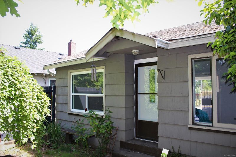 FEATURED LISTING: 379 Nicol St