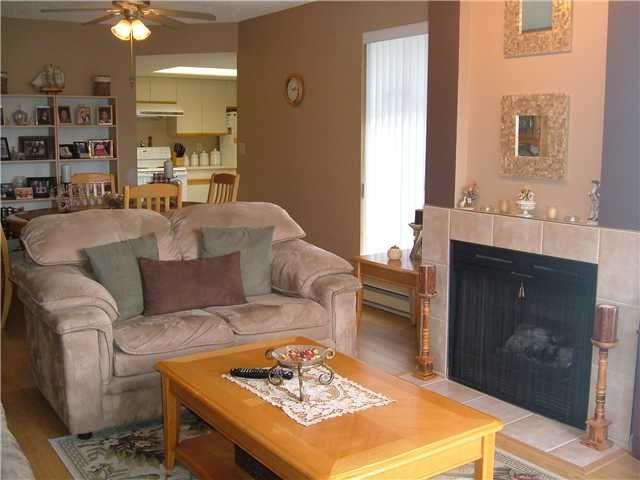 "Main Photo: 405 2925 GLEN Drive in Coquitlam: North Coquitlam Condo for sale in ""GLENBOROUGH"" : MLS®# V828933"