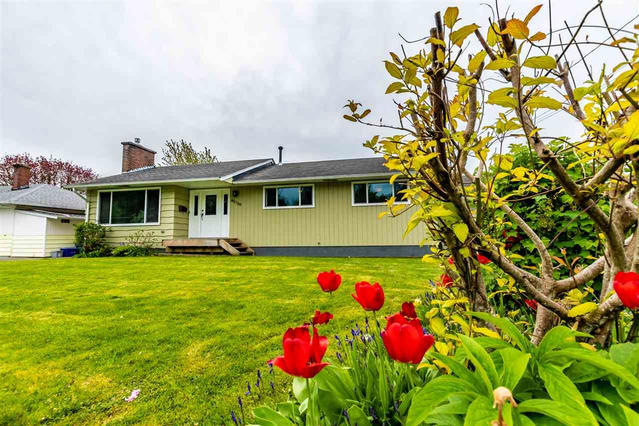 Main Photo: 45766 BERKELEY Avenue in Chilliwack: Chilliwack N Yale-Well House for sale : MLS®# R2452455