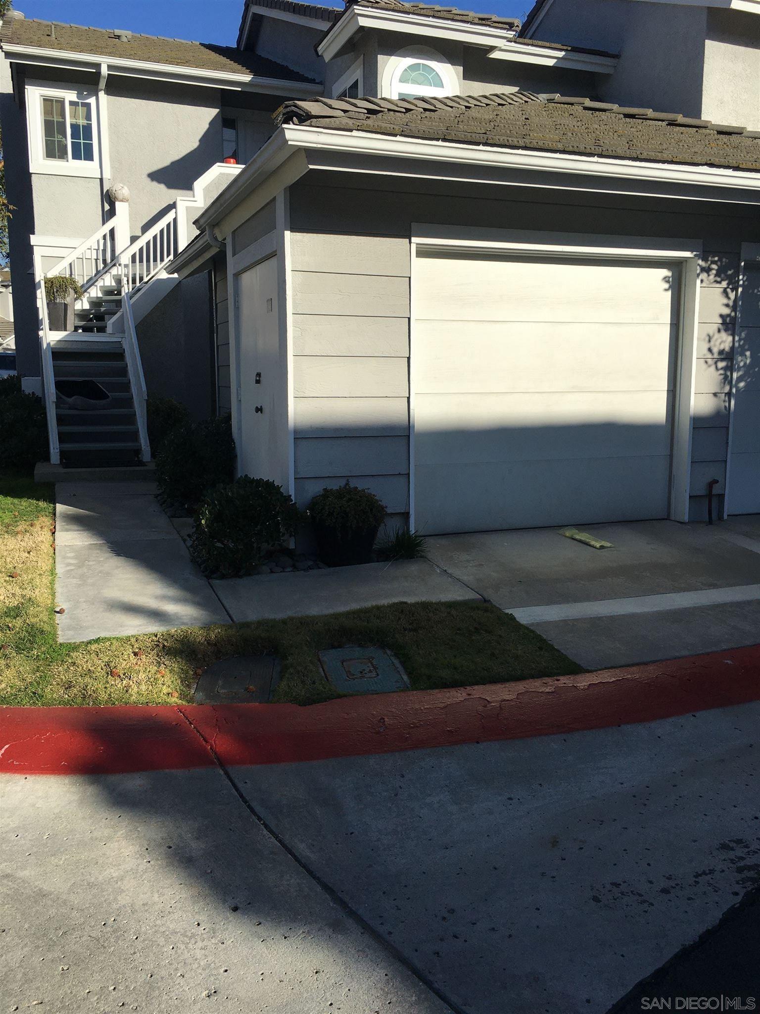 Main Photo: CARMEL VALLEY Condo for rent : 2 bedrooms : 13358 Kibbings Rd in San Diego