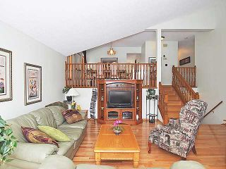 Photo 3: 196 HAWKHILL Way NW in CALGARY: Hawkwood Residential Detached Single Family for sale (Calgary)  : MLS®# C3558040