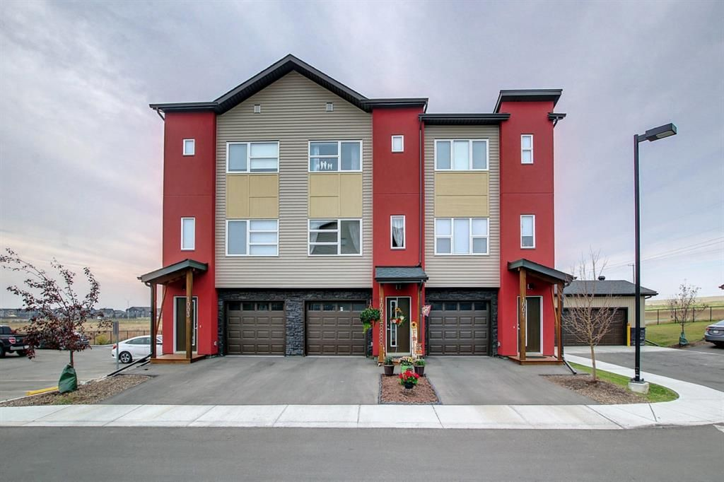 Main Photo: 1002 2461 Baysprings Link SW: Airdrie Row/Townhouse for sale : MLS®# A1151958
