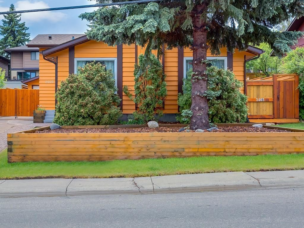 Main Photo: 2403 98 Avenue SW in Calgary: Palliser Detached for sale : MLS®# C4255280