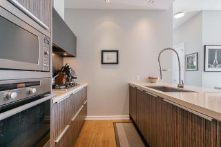 """Photo 10: 2 ATHLETES Way in Vancouver: False Creek Townhouse for sale in """"KAYAK-THE VILLAGE ON THE CREEK"""" (Vancouver West)  : MLS®# R2564490"""