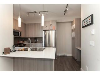 """Photo 8: 113 19433 68 Avenue in Surrey: Clayton Townhouse for sale in """"The Grove"""" (Cloverdale)  : MLS®# R2303599"""