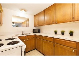 """Photo 6: 6 7361 MONTECITO Drive in Burnaby: Montecito Townhouse for sale in """"MONTECITO VILLA"""" (Burnaby North)  : MLS®# V1094595"""