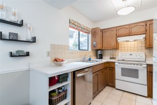 """Photo 12: 8552 WILDERNESS Court in Burnaby: Forest Hills BN Townhouse for sale in """"SIMON FRASER VILLAGE"""" (Burnaby North)  : MLS®# R2560029"""