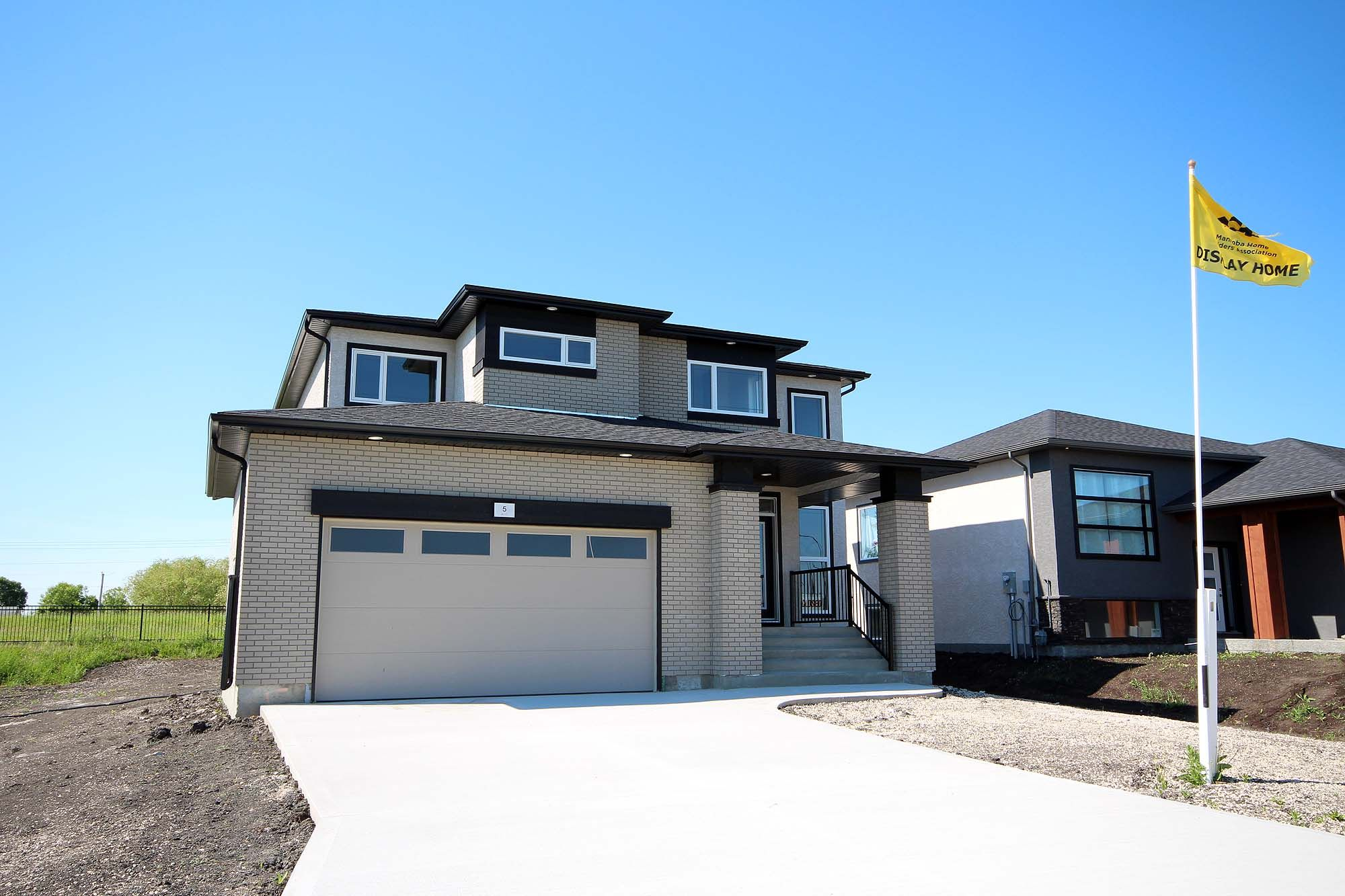 Main Photo: 5 Chimney Swift Way in St Adolphe: Tourond Creek Residential for sale (R07)  : MLS®# 202007453