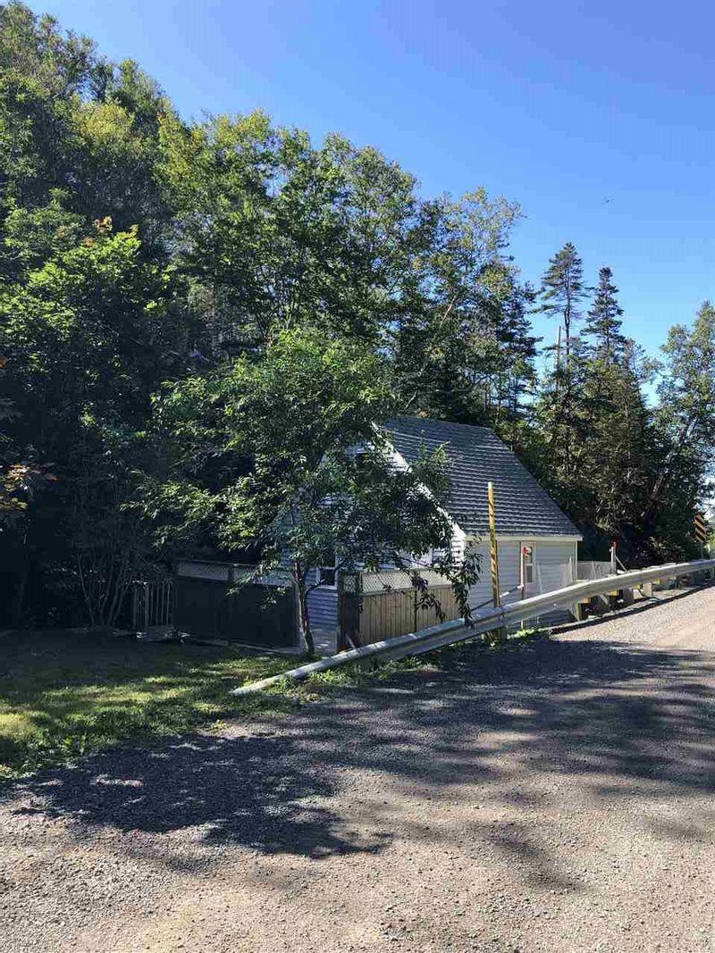 FEATURED LISTING: 1483 Hamilton Road Harbourville