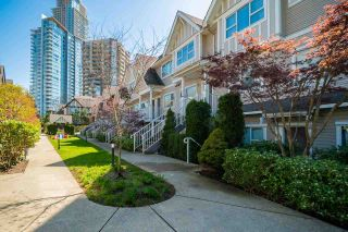 Photo 2: 22 730 FARROW Street in Coquitlam: Coquitlam West Townhouse for sale : MLS®# R2577621
