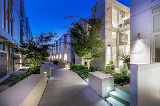 """Photo 17: 750 W 6TH Avenue in Vancouver: Fairview VW Townhouse for sale in """"SIXTH + STEEL"""" (Vancouver West)  : MLS®# R2313387"""