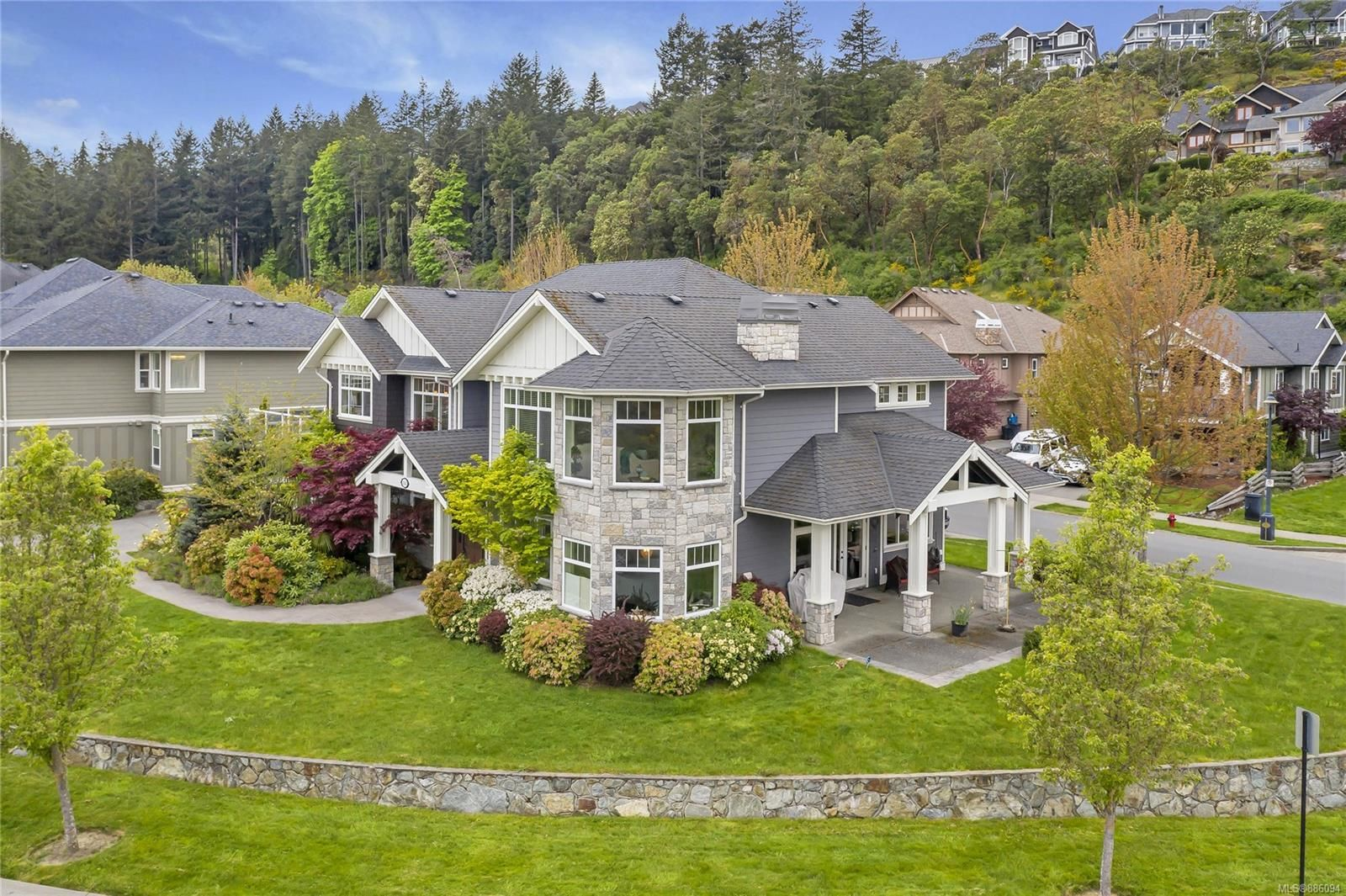 Main Photo: 2142 Blue Grouse Plat in : La Bear Mountain House for sale (Langford)  : MLS®# 886094