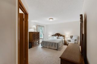 Photo 24: 927 Shawnee Drive SW in Calgary: Shawnee Slopes Detached for sale : MLS®# A1123376