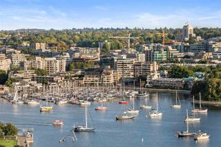 """Photo 1: 2109 501 PACIFIC Street in Vancouver: Downtown VW Condo for sale in """"THE 501"""" (Vancouver West)  : MLS®# R2492632"""