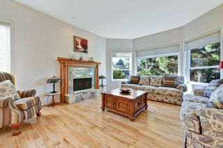 Photo 4: 3121 Wessex Close in : OB Henderson House for sale (Oak Bay)  : MLS®# 863827
