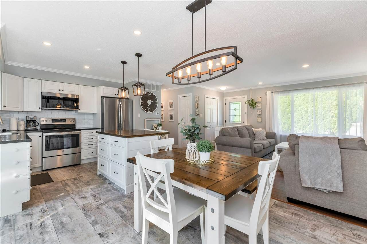 Photo 19: Photos: 32626 BADGER Avenue in Mission: Mission BC House for sale : MLS®# R2493289