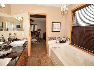 Photo 28: 39 SANDALWOOD Heights NW in Calgary: Sandstone House for sale : MLS®# C4025285
